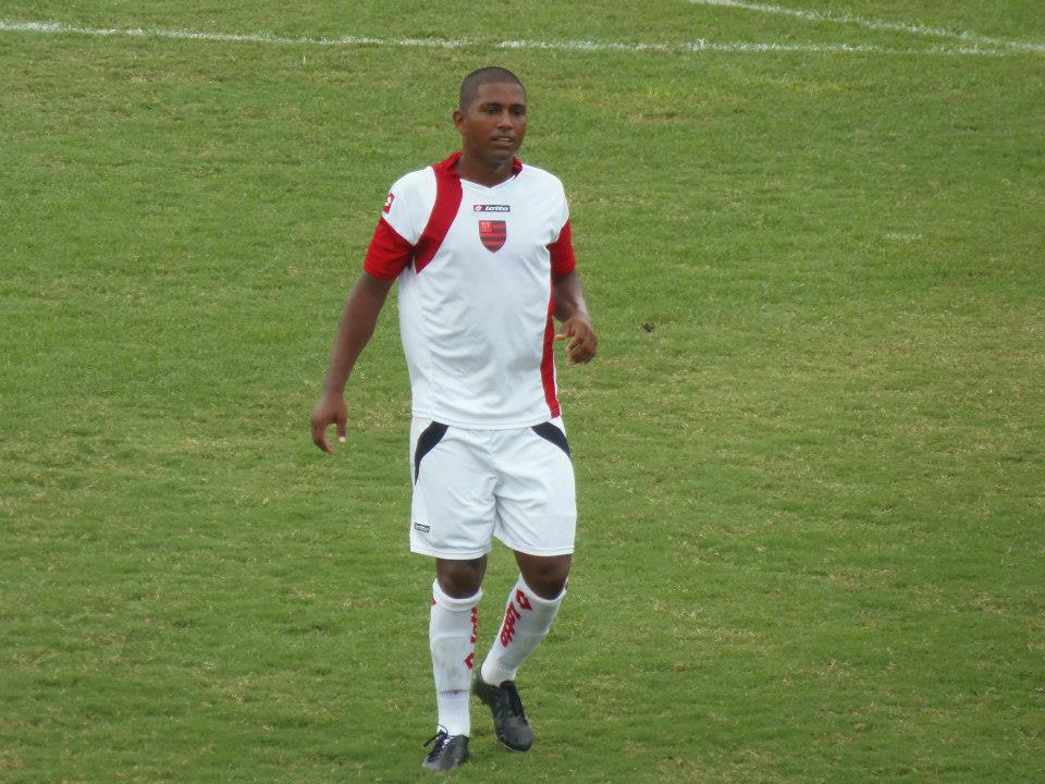 """Jackson """"Five"""", destaque do Flamengo de Guarulhos, acerta com o São Caetano"""