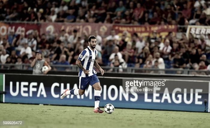 Porto e Sporting arrumam a casa: Sérgio Oliveira e Petrovic de saída