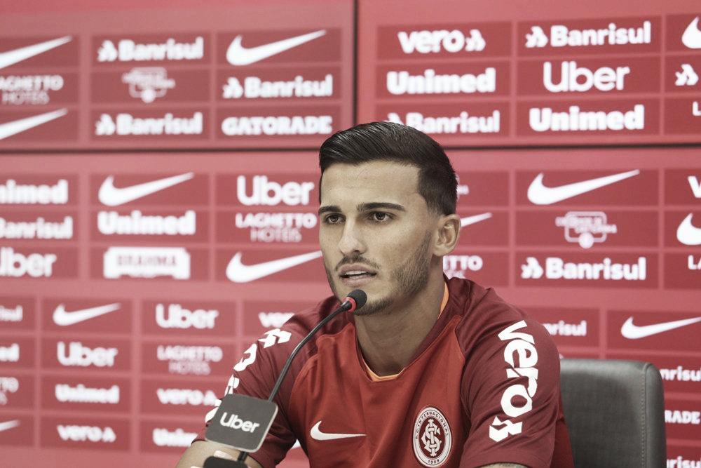 """Guilherme Parede é apresentado no Internacional: """"Maior desafio da minha carreira"""""""