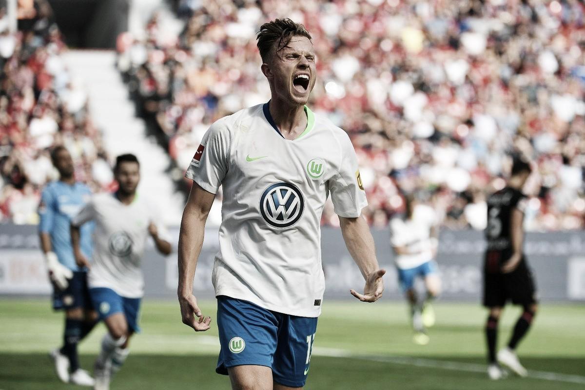 Wolfsburg bate Bayer Leverkusen de virada e segue com 100% na Bundesliga