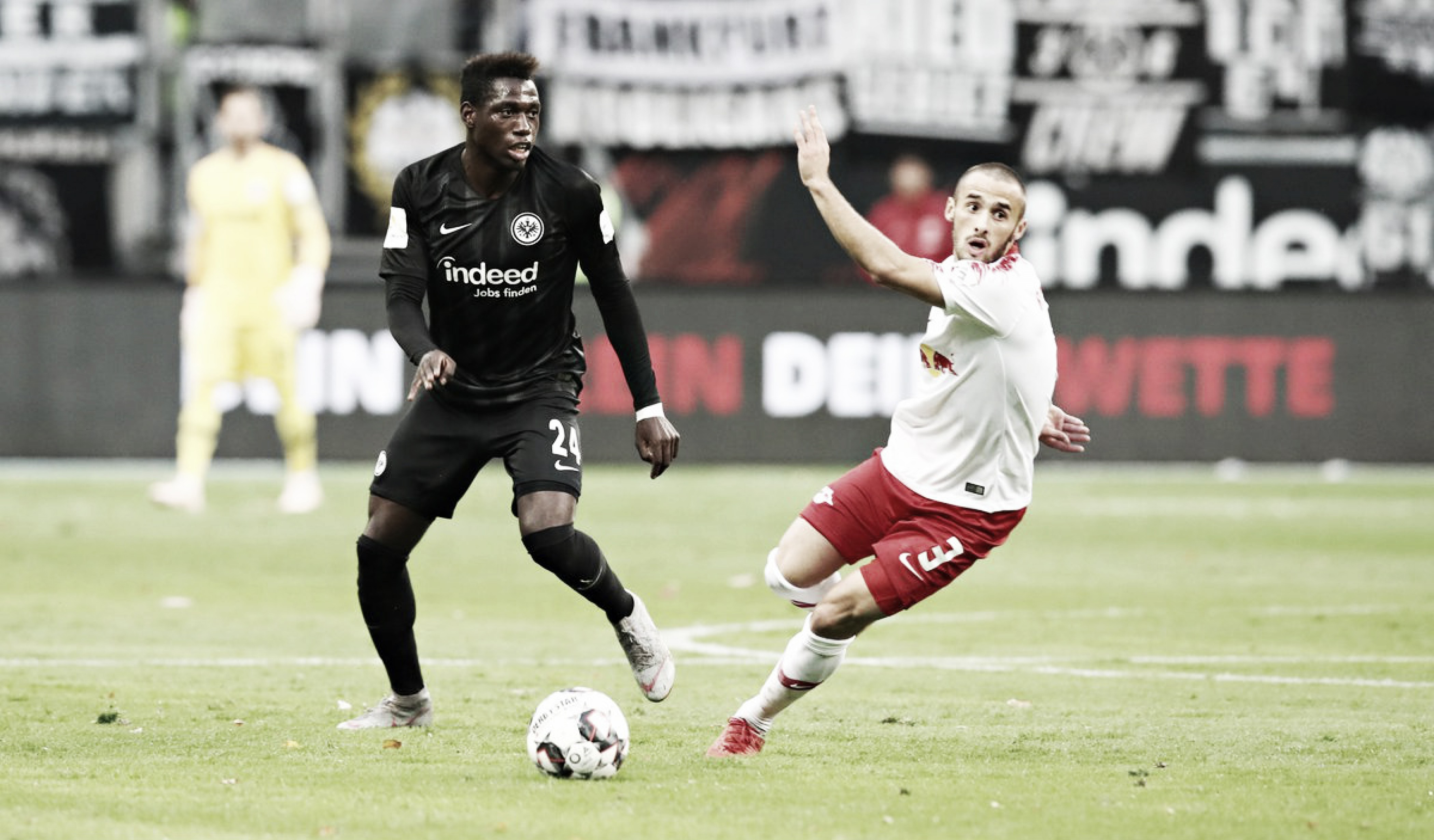 Eintracht Frankfurt sai na frente, mas cede empate ao RB Leipzig em casa