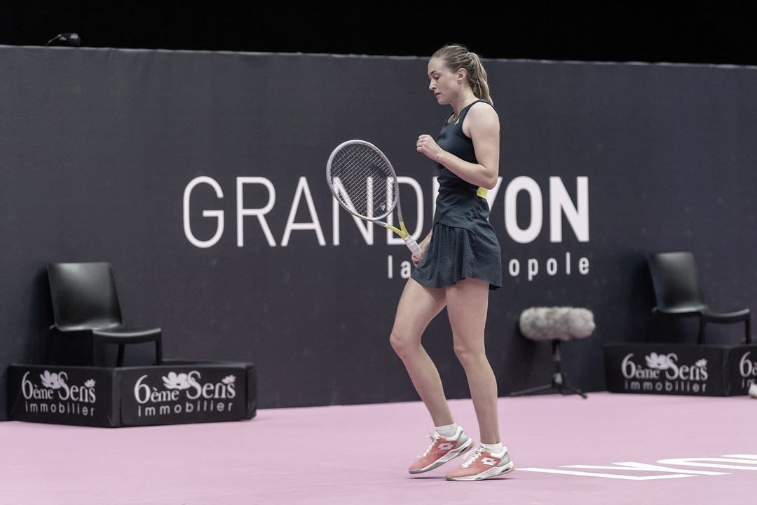 Sasnovich derrota Bouchard e avança à segunda rodada em Lyon