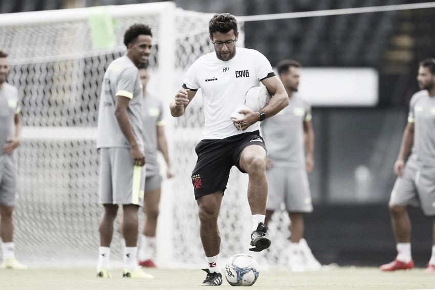 """Valentim confirma Vasco com força máxima e pede foco contra Avaí: """"Mudar a chave"""""""