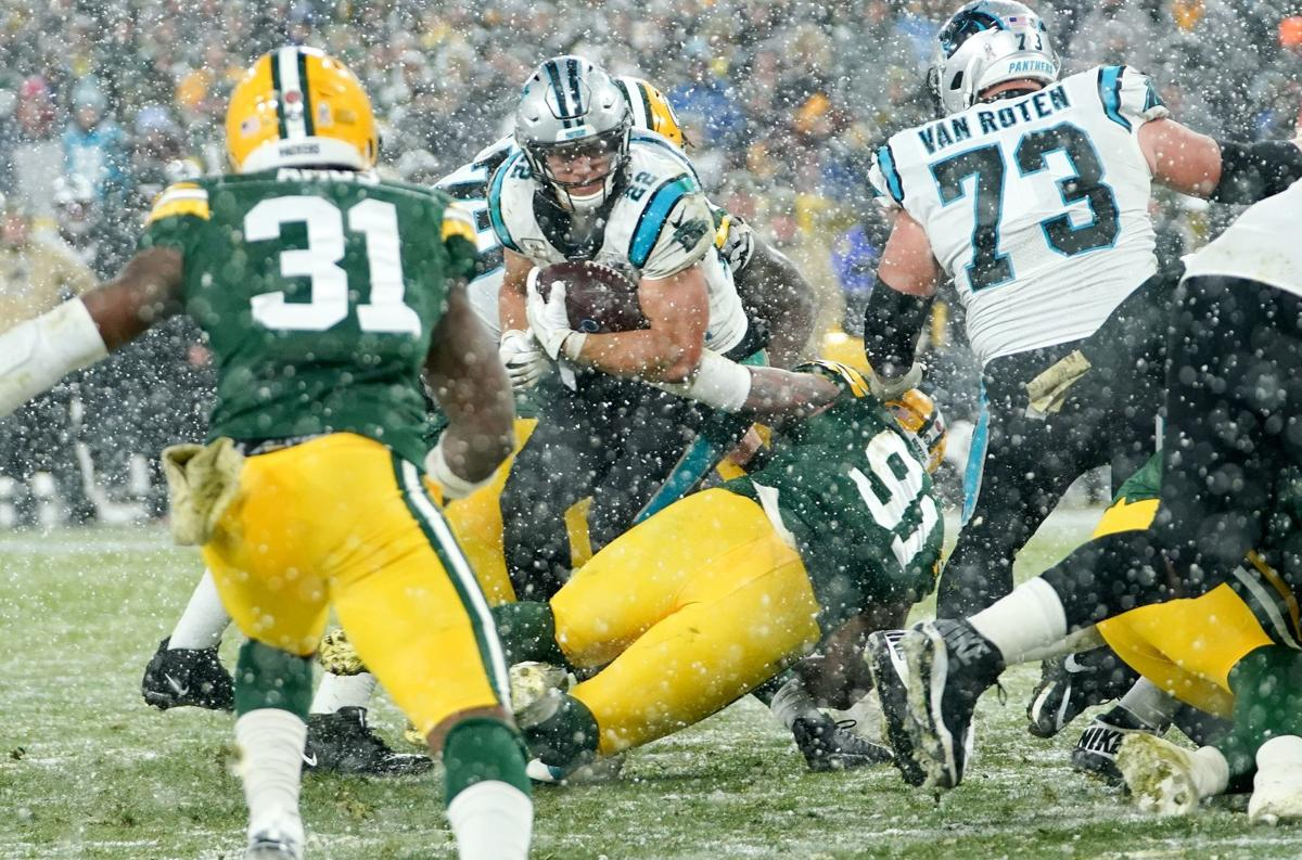 Green Bay Packers 24 - 16 Carolina Panthers: Aaron Jones helps Packers to vital victory with three touchdown performance