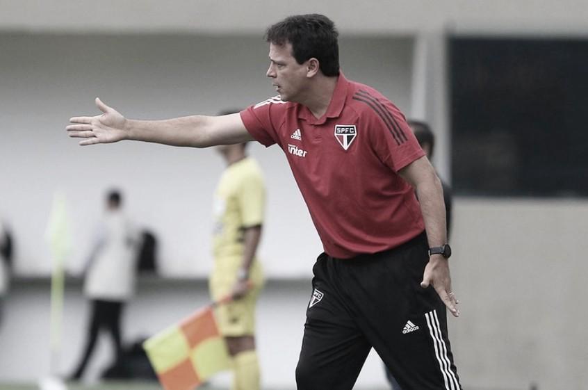 """Fernando Diniz aprova possível vinda de Cavani ao São Paulo: """"Ficaríamos muito felizes"""""""