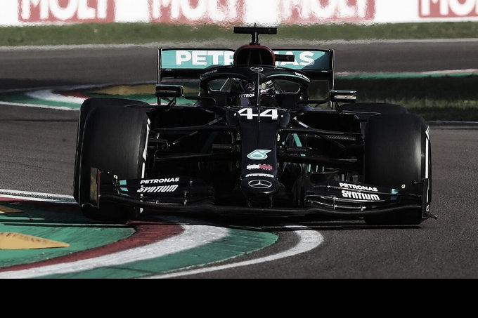 Hamilton gana en Imola