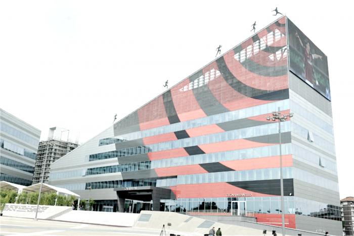 Milan, verso il closing: summit in sede per organizzare la conferenza del 13 dicembre