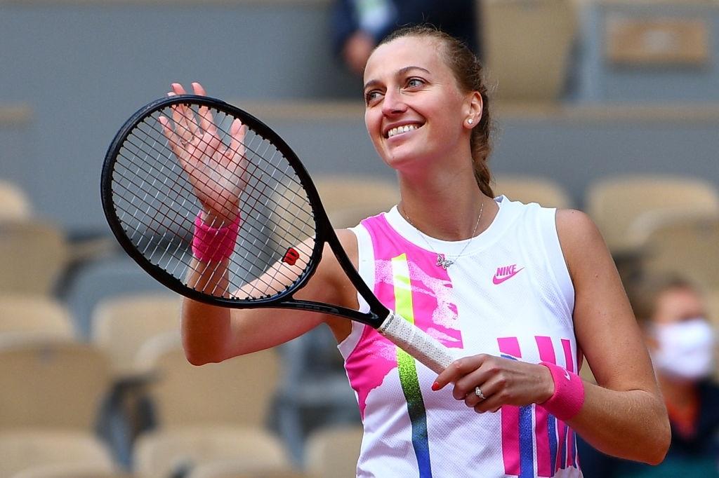 French Open: Petra Kvitova waltzes past Laura Siegemund for second Paris semifinal, first in eight years