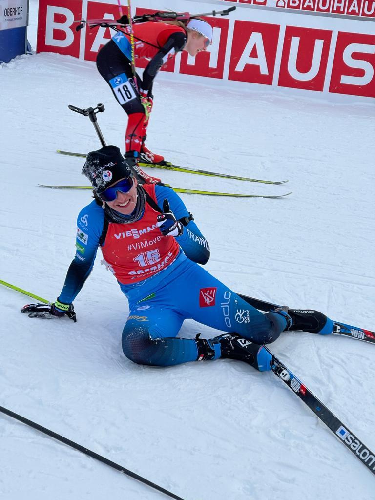 Julia a tout donné pour remporter cette mass-start de Oberhof. (Twitter: @FedFranceSki)