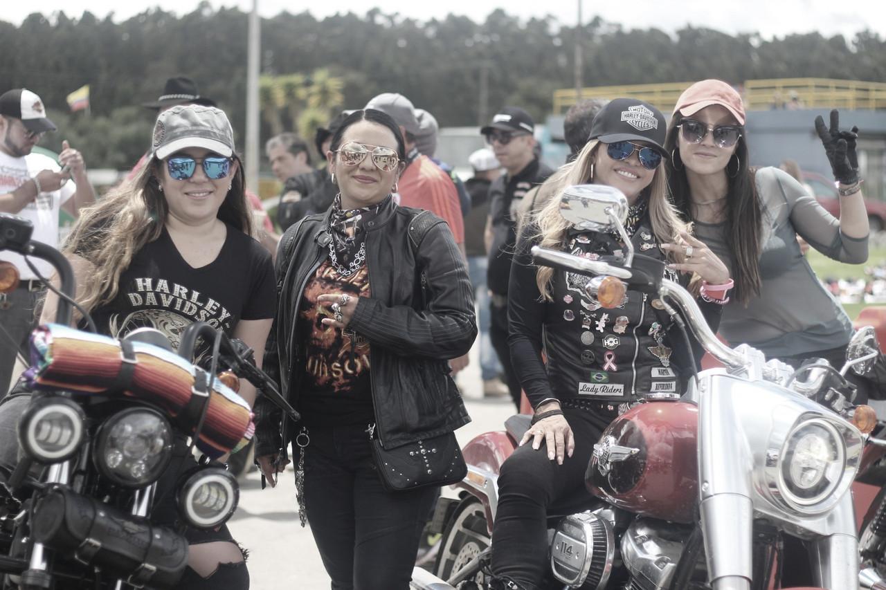 60 mujeres disfrutaron la velocidad del WomenPistonDay
