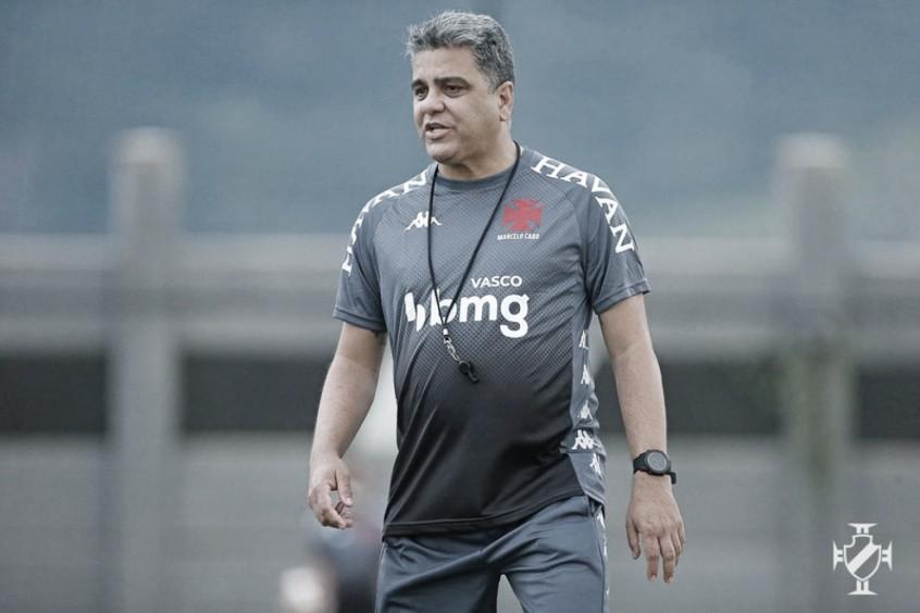 Vasco anuncia demissão de técnico Marcelo Cabo