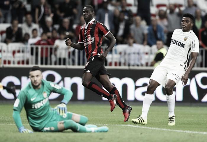 Com dois de Balotelli, Nice goleia em clássico contra o Monaco e assume liderança da Ligue 1