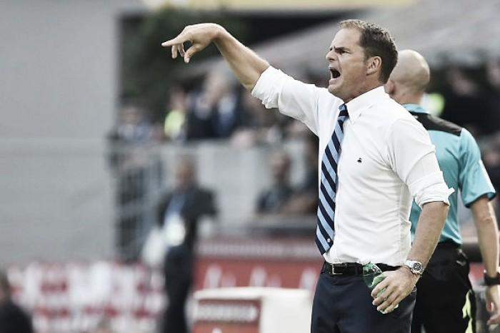 """Jornal: De Boer intima elenco da Inter após vexame na UEL: """"Se eu cair, todos cairão comigo"""""""