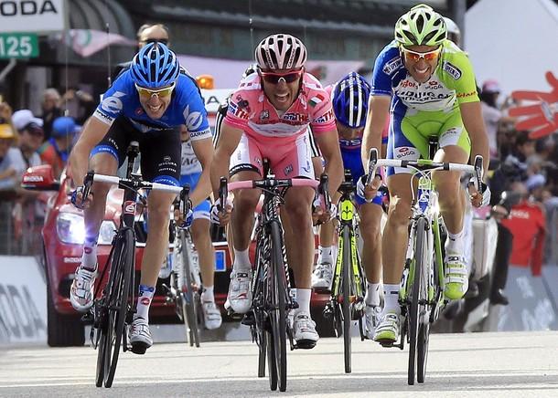 Il Giro si decide sullo Stelvio