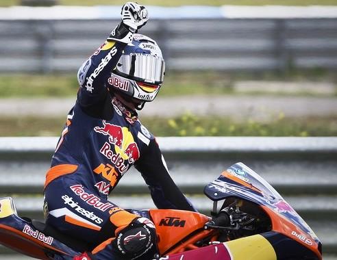 Moto 3, vince Cortese in volata