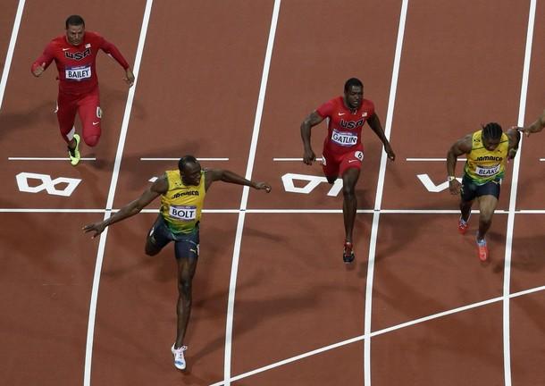 Bolt gana el oro en los 100 metros, así lo vivimos