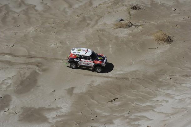 "Krzysztof Holowczyc: ""El coche volaba sobre las dunas"""