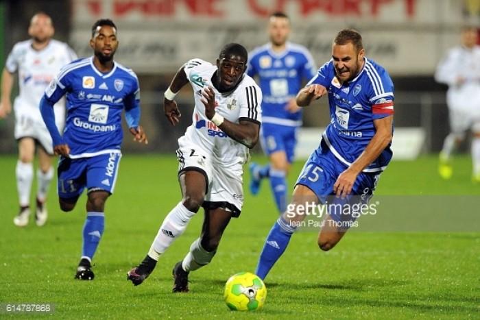 Fulham sign SC Amiens striker Aboubakar Kamara for undisclosed fee