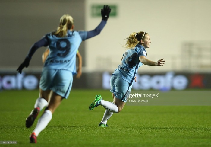 Keira Walsh commits the next three years to Man City