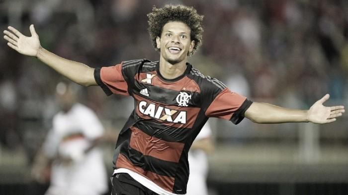 Willian Arão destaca força do elenco do Flamengo na vitória sobre Chapecoense