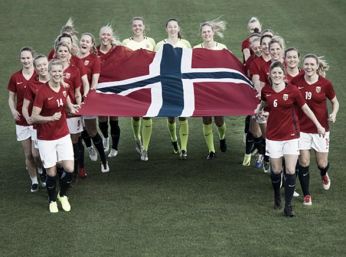Igualdade no futebol: seleções feminina e masculina da Noruega ganharão salários iguais