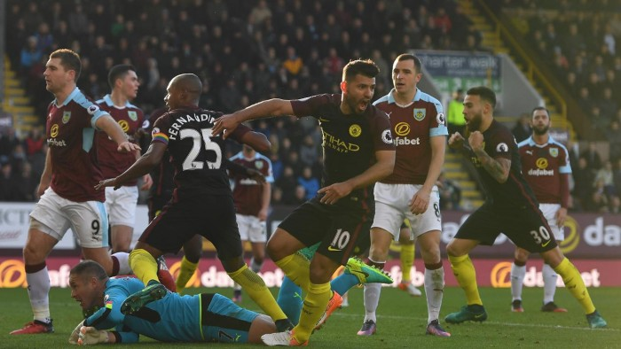 Premier League: City corsaro a Burnley, 1-2