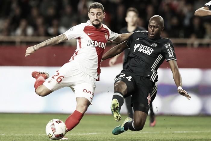 Boschilia marca golaço de falta, Monaco atropela Olympique e assume liderança
