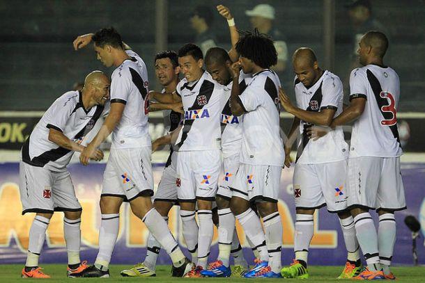 """Edmilson comemora 6 a 0 diante do Friburguense: """"Está de parabéns"""""""