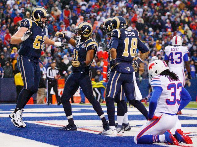 Bradford lidera a los Rams en la victoria sobre los Bills