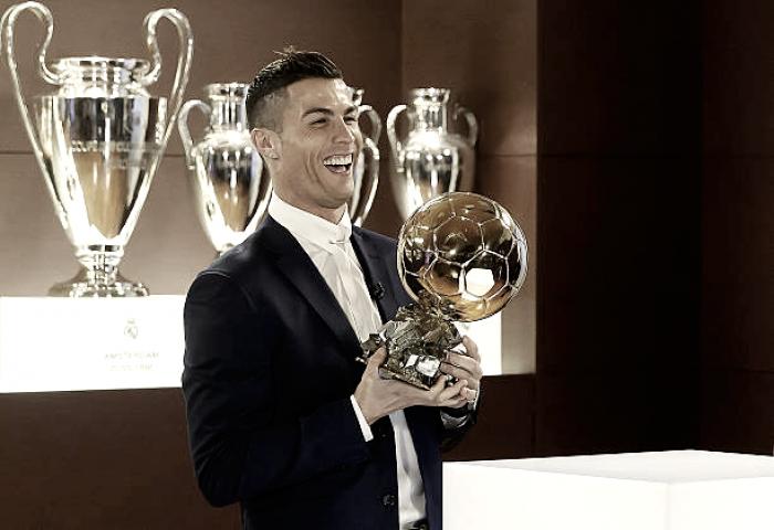 Com CR7, Messi e três brasileiros, revista divulga os 30 finalistas da Bola de Ouro