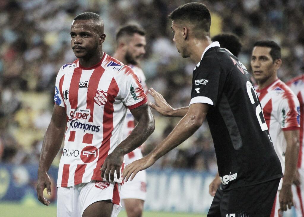 Exclusivo: após bom ano, Felipe Dias retorna ao Bangu para repetir sucesso