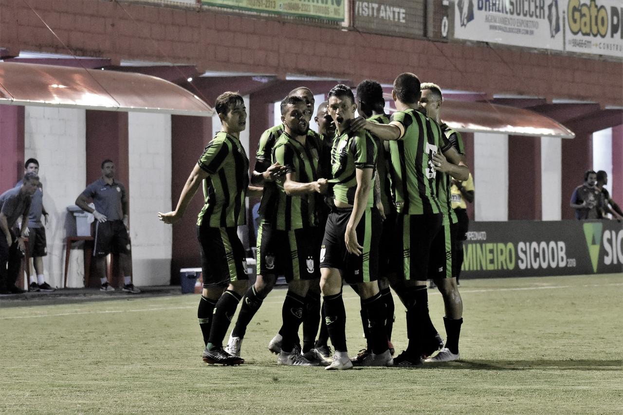 América-MG vence o Tombense e se mantém na liderança do Mineiro