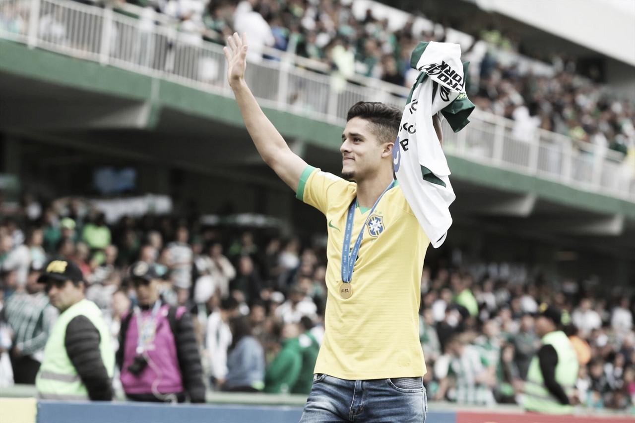 Revelado pelo Coritiba, lateral-direito Yan Couto acerta negociação com Manchester City