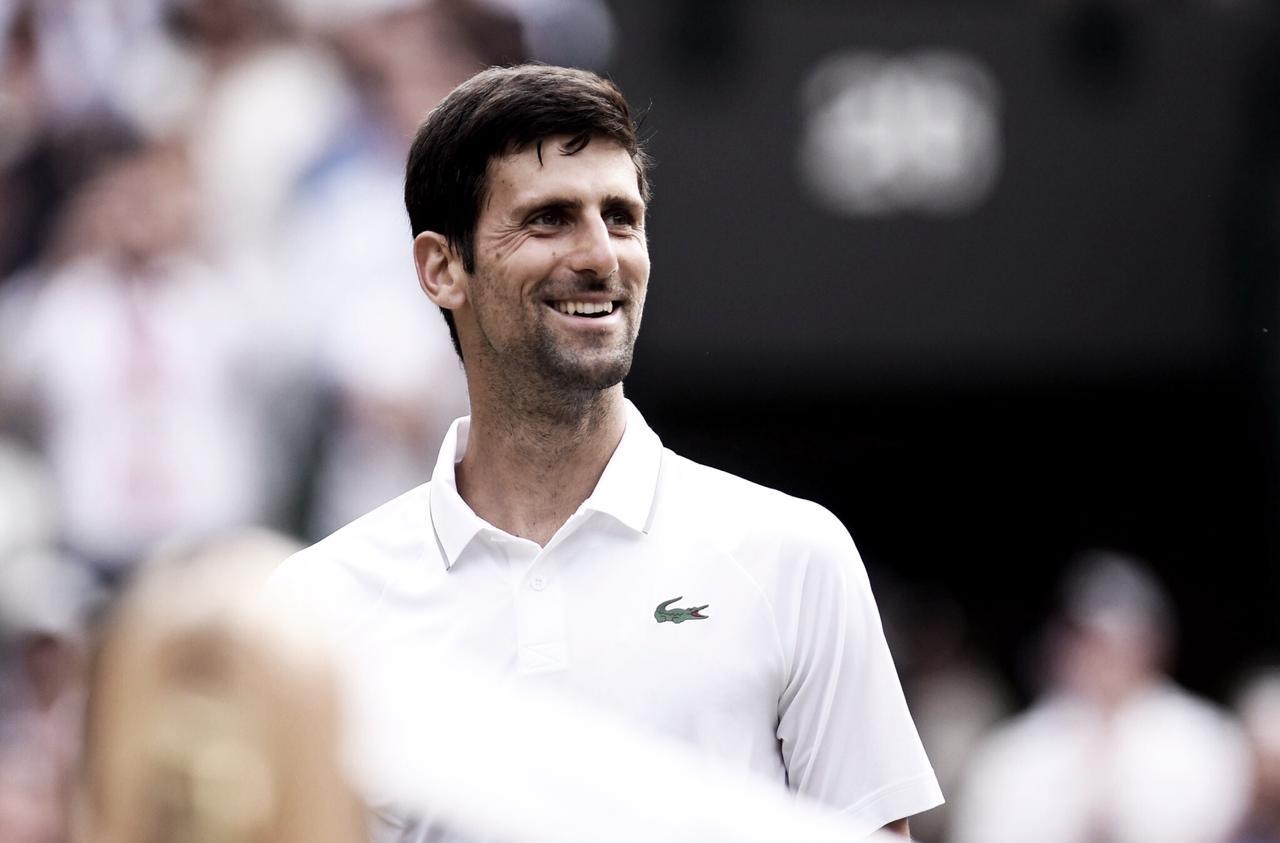 Djokovic vence Goffin pelas quartas de Wimbledon (3-0)