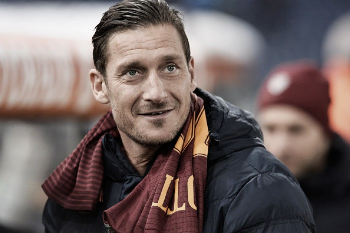 "Maior ídolo romanista, Totti palpita sobre briga pelo Scudetto: ""Prefiro o Napoli à Juventus"""