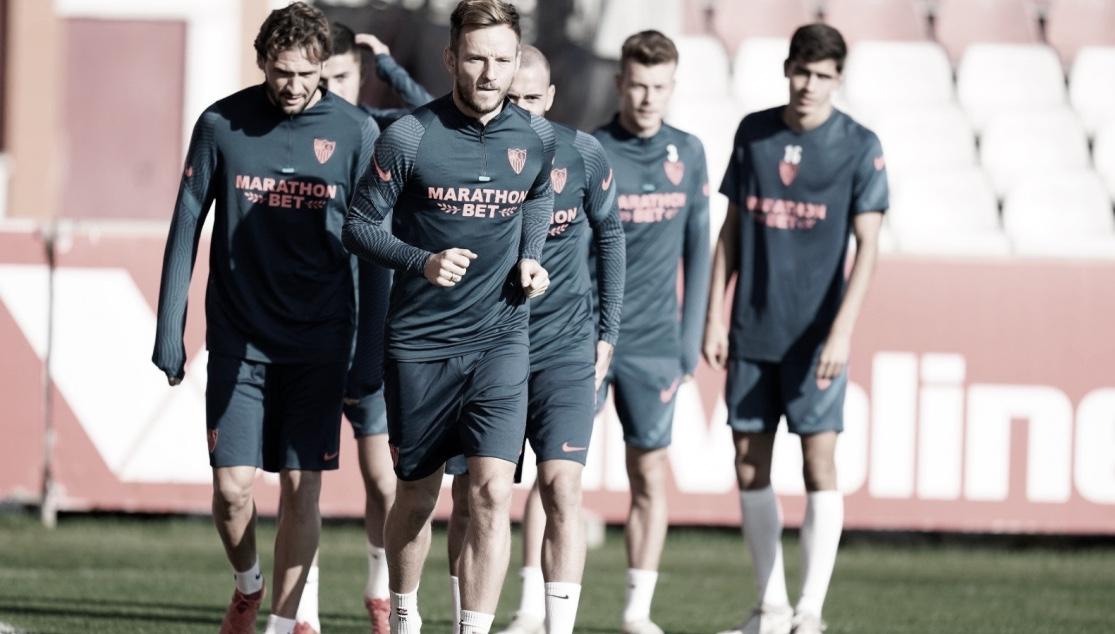 El equipo se ejercita en la Ciudad Deportiva antes de recibir al Chelsea / Foto: Sevilla FC