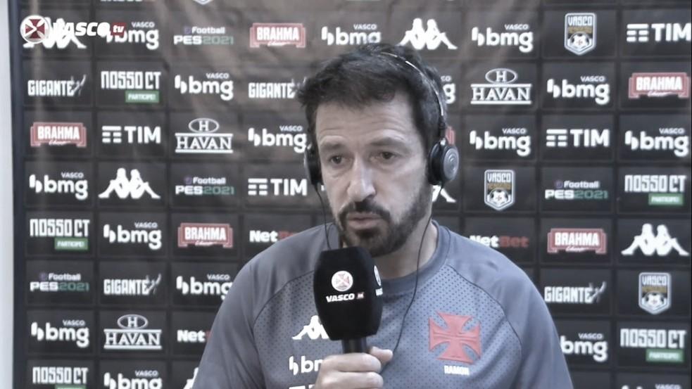 """Técnico Ramon Menezes aprova estreia do Vasco no Brasileirão: """"Muito feliz"""""""