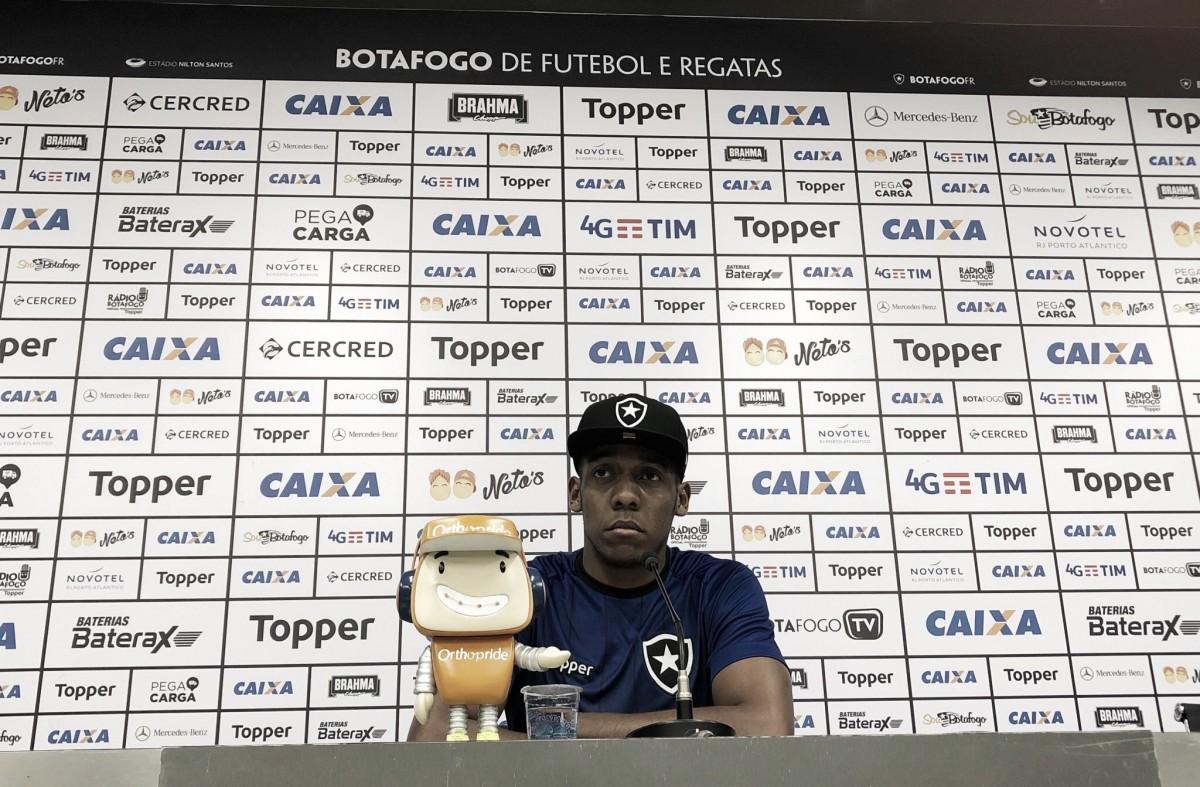 """Moisés promete crescimento do Botafogo após recesso: """"Vamos fazer um grande campeonato"""""""