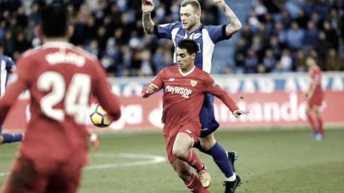 El Alavés consigue salir de los puestos de descenso ante un Sevilla en caída libre