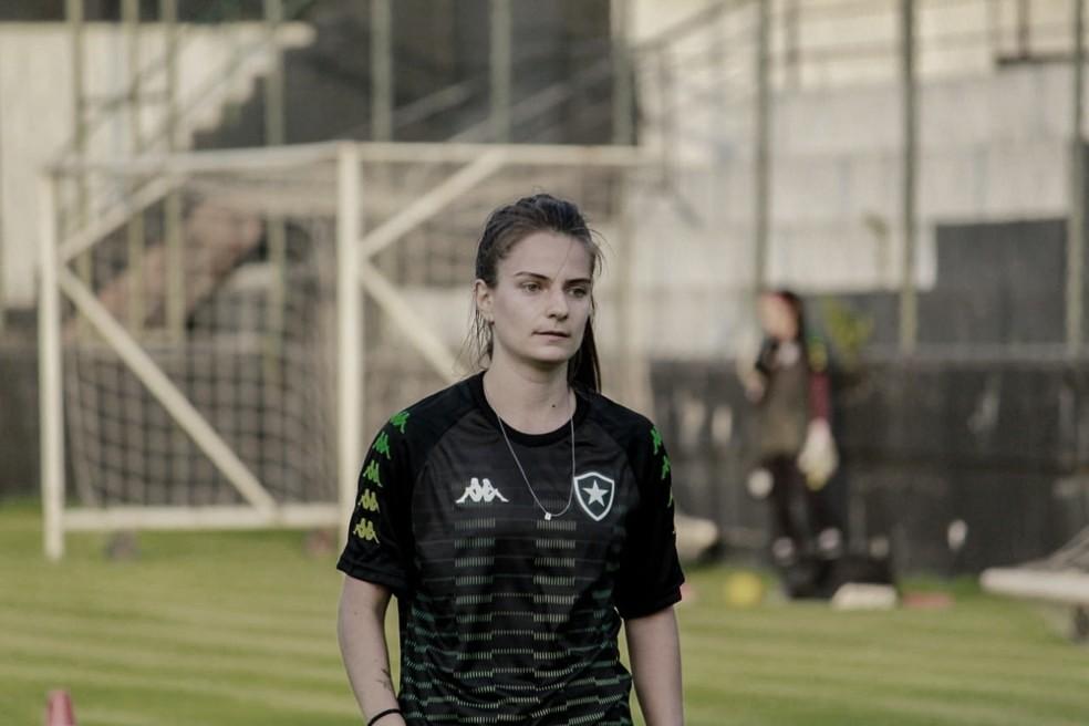 Botafogo contrata meia-atacante Chaiane Locatelli para Brasileirão Feminino A2