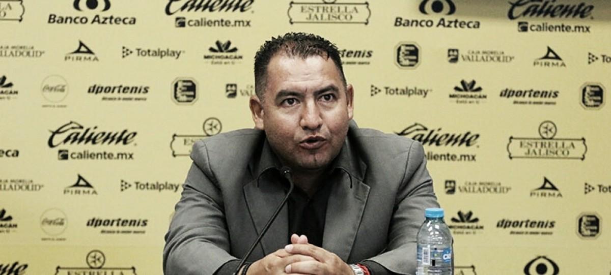 El técnico de Monarcas femenil ofrece disculpas