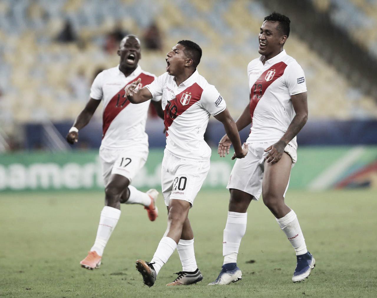 Perú deleitó con una épica remontada