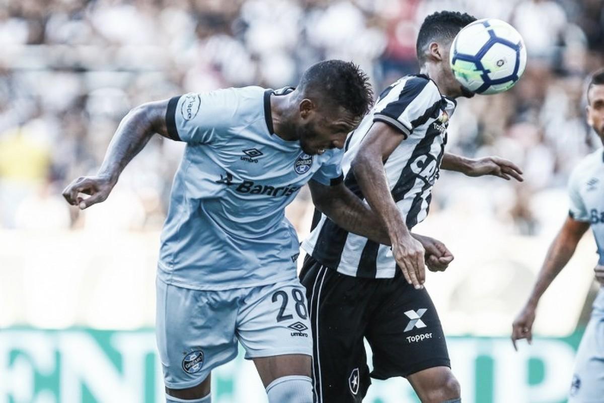 Paulo Miranda sofre luxação no ombro e se torna desfalque para próximas partidas do Grêmio