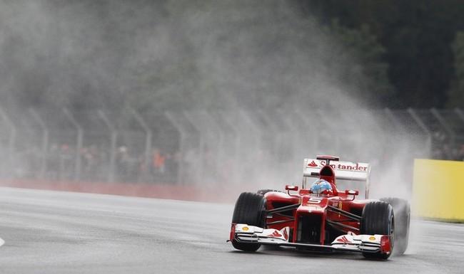 Webber logra la victoria en Silverstone, Alonso segundo
