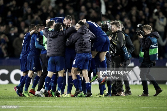 Leicester vence e está nos quartos de final