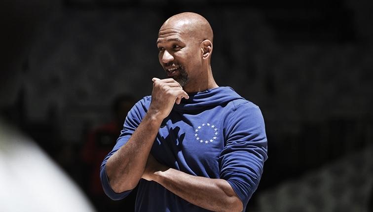 De técnico novo! Phoenix Suns acerta contratação deMonty Williams
