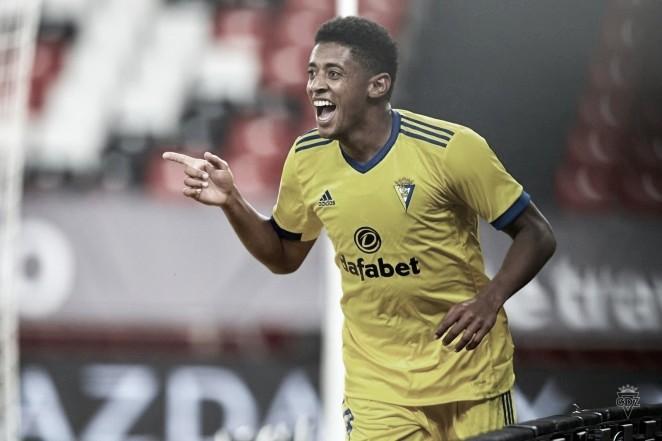 'Choco' Lozano festeja su gol contra el Athletic / Cádiz CF