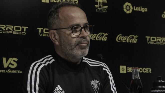 """Álvaro Cervera: """"El Elche es un equipo bien ordenado y con las ideas claras"""""""