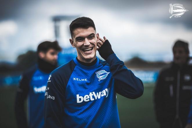 Adrián Marín, nuevo jugador del Granada CF
