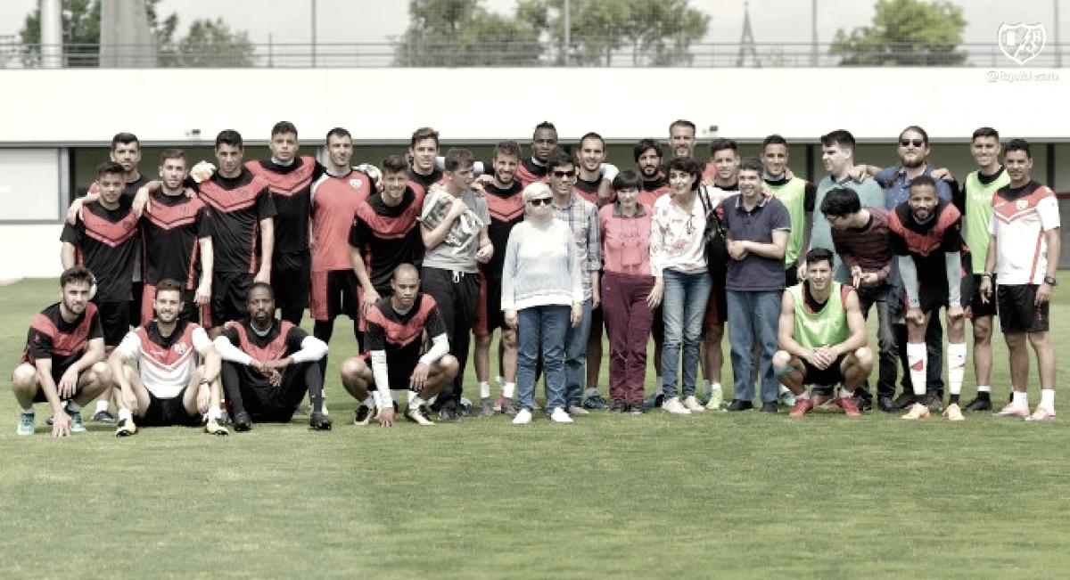 La Fundación Rayo Vallecano firma un convenio con La Federación Autismo Madrid